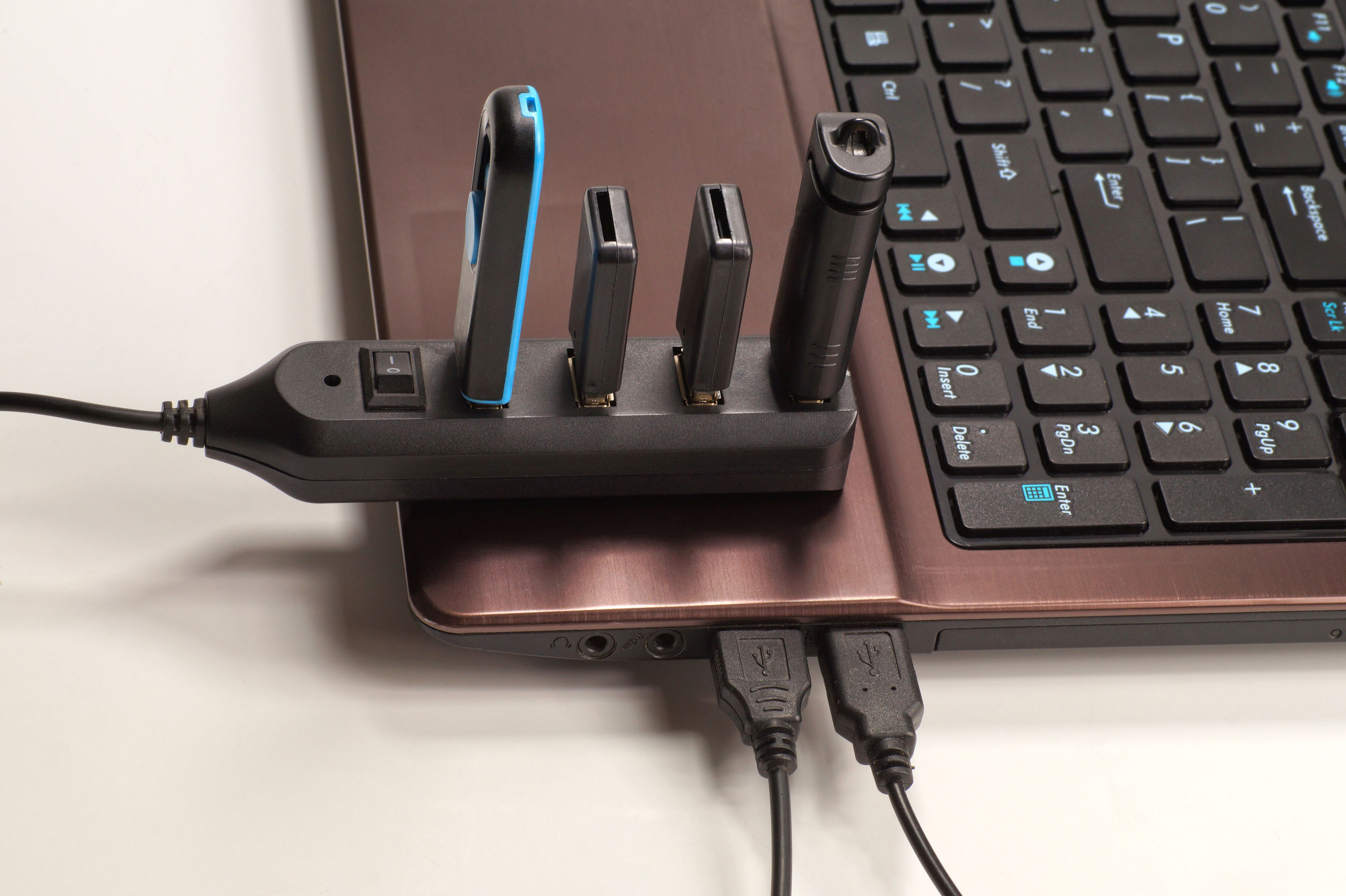 No sockets. Fully used USB hub (each device has a device plugged