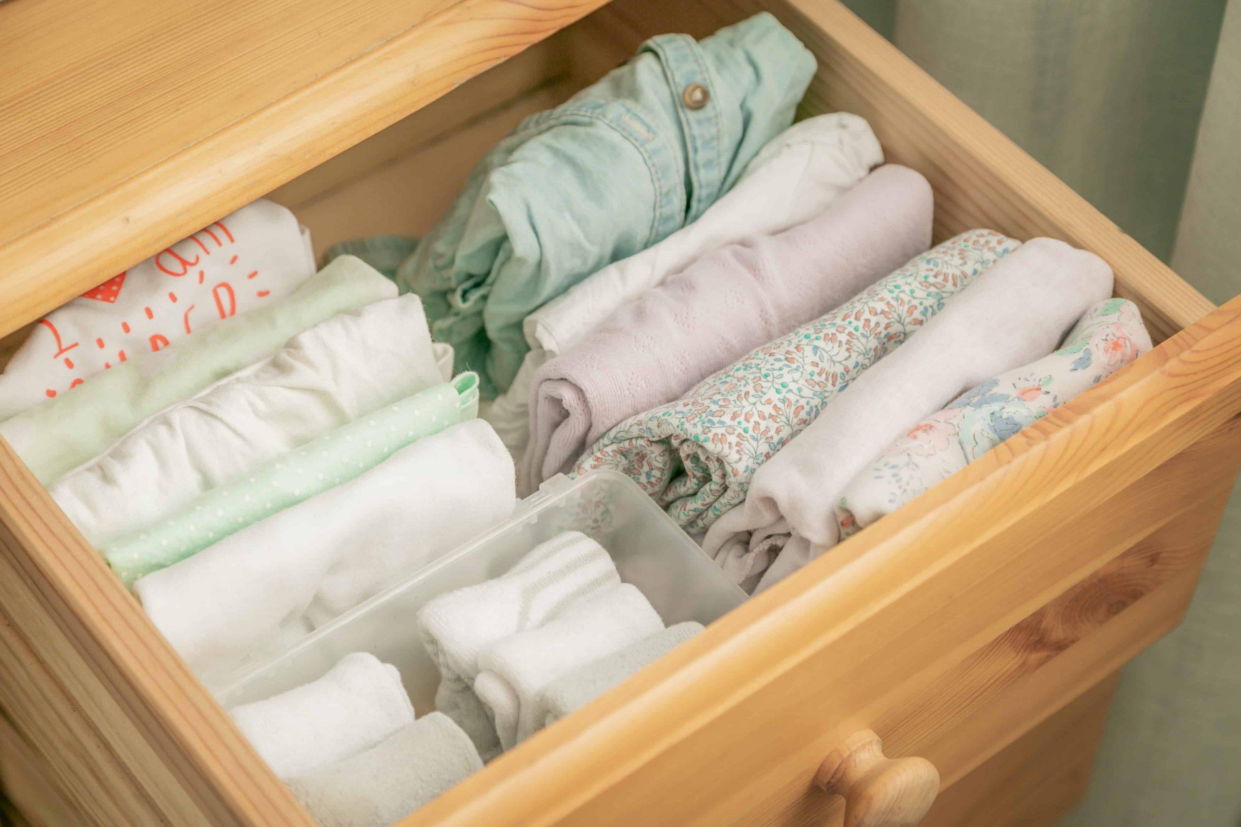 talpa//bianco mDesign Cassettiera in tessuto Pratico organizer con cassetti ideale per camera da letto e bagno Com/ò con 5 cassetti
