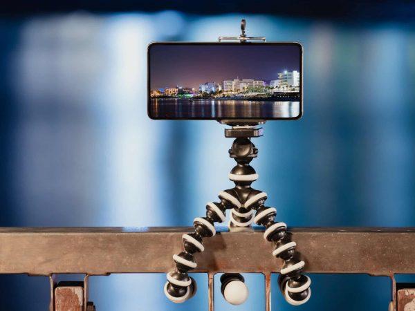 treppiede-flessibile-per-smartphone-principale-xcyp1