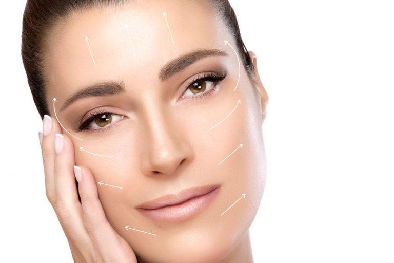 Contornos de piel sobre una mujer