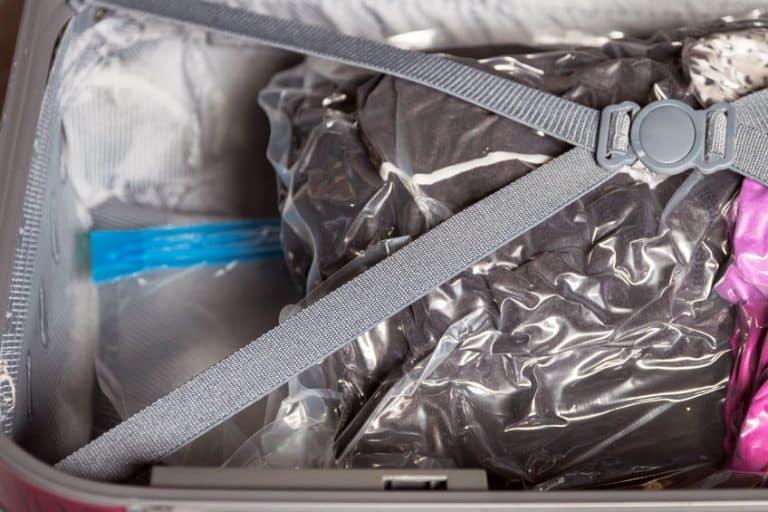 Sacchi sottovuoto per vestiti in valigia