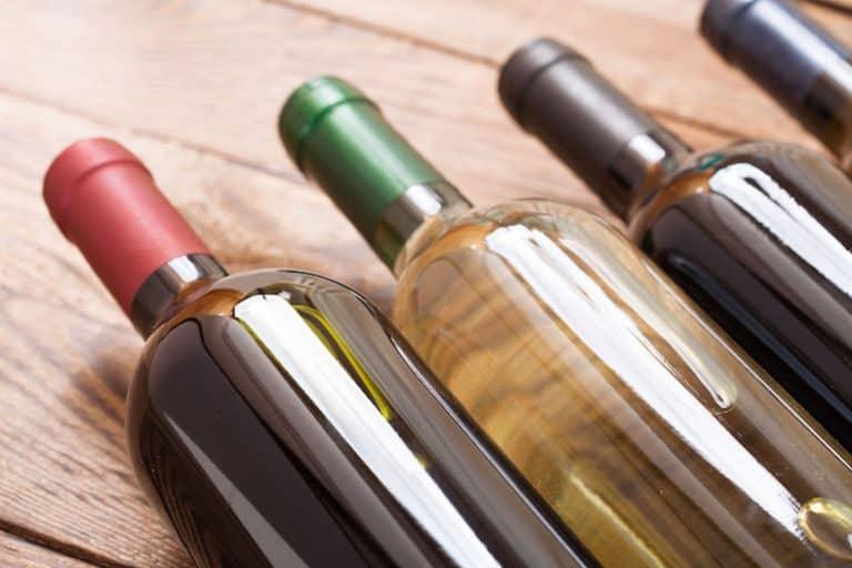 cantinetta-vino-bottiglie-xcyp1