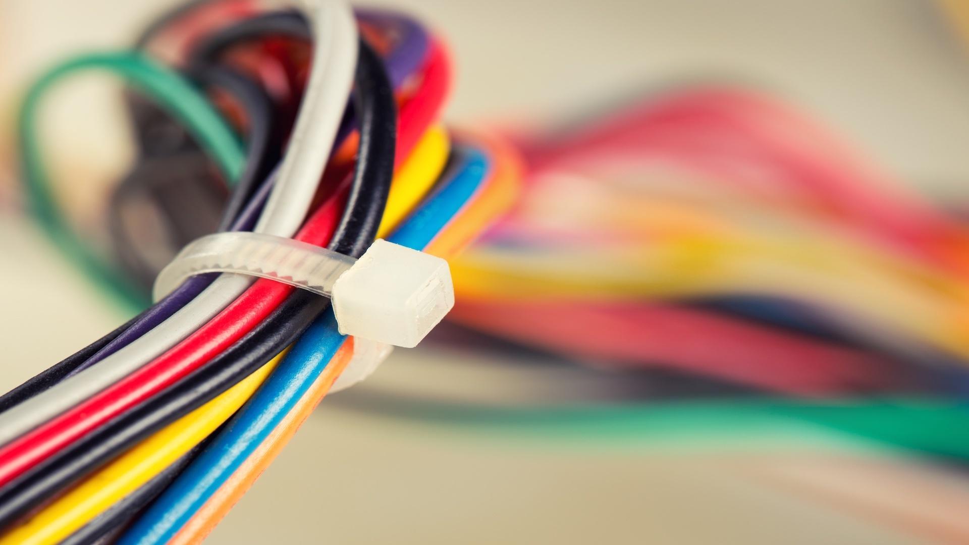 Miglior rilevatore di tubi e cavi elettrici 2021: Guida all'acquisto