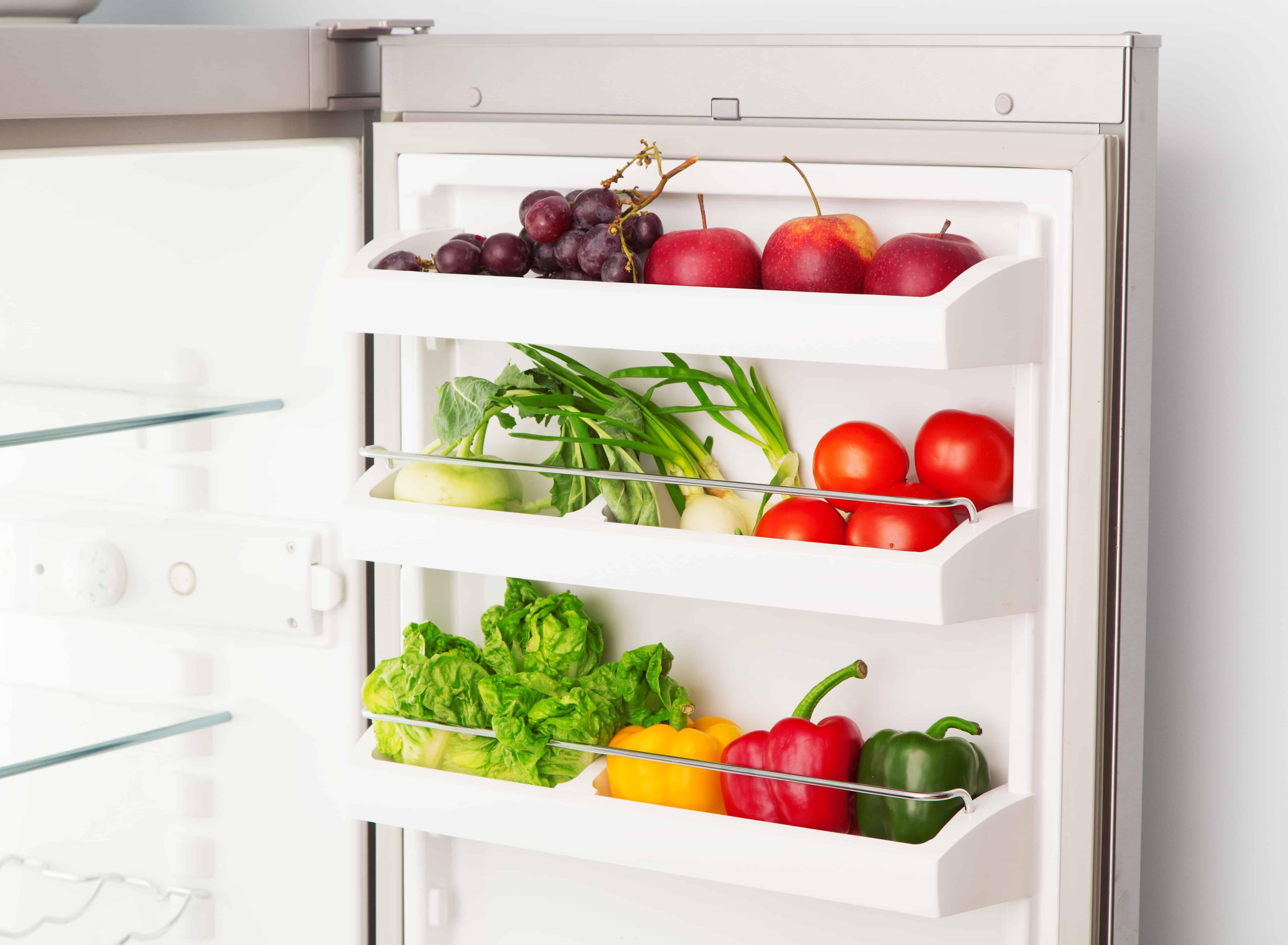 Un frigorifero aperto