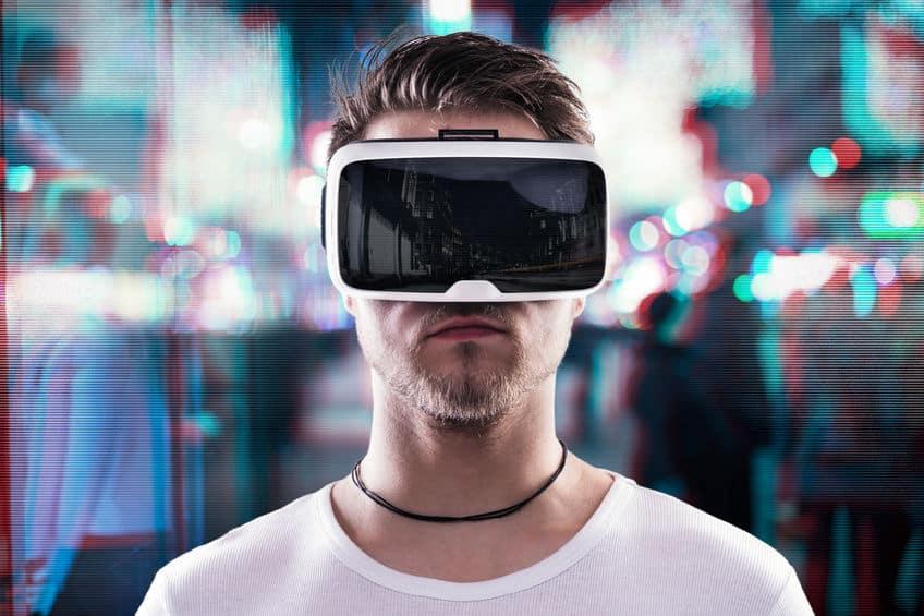 visore-per-realtà-virtuale-seconda-xcyp1