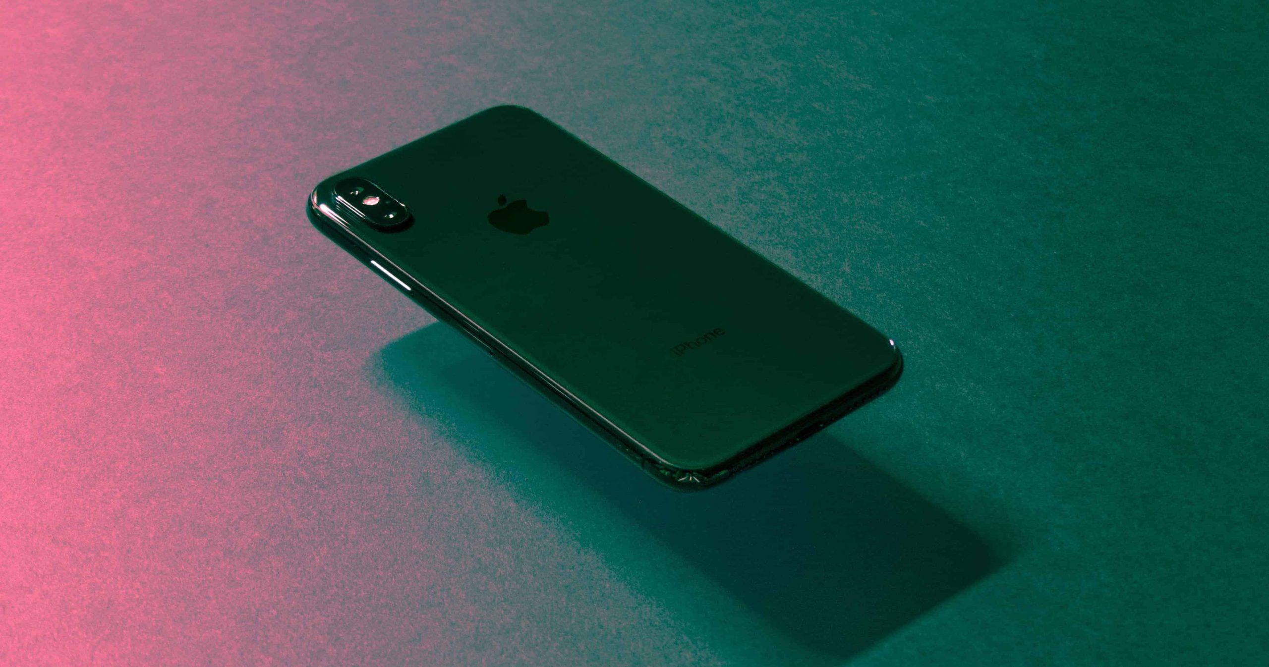 Un iPhone visto dal retro