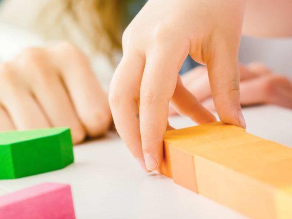 tavolo-gioco-per-bambini-principale-xcyp1