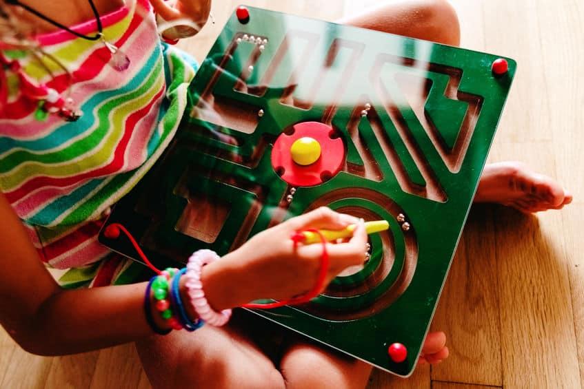 Labirinto con magneti