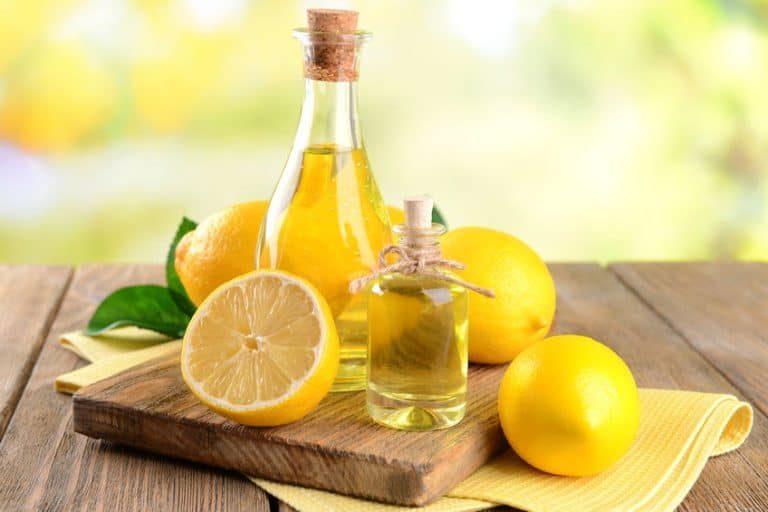 Limoni e olio essenziale di limone
