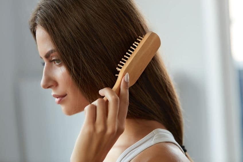 pettine-in-legno-capelli-xcyp1