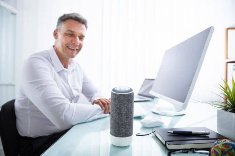 Uno smart speaker grigio