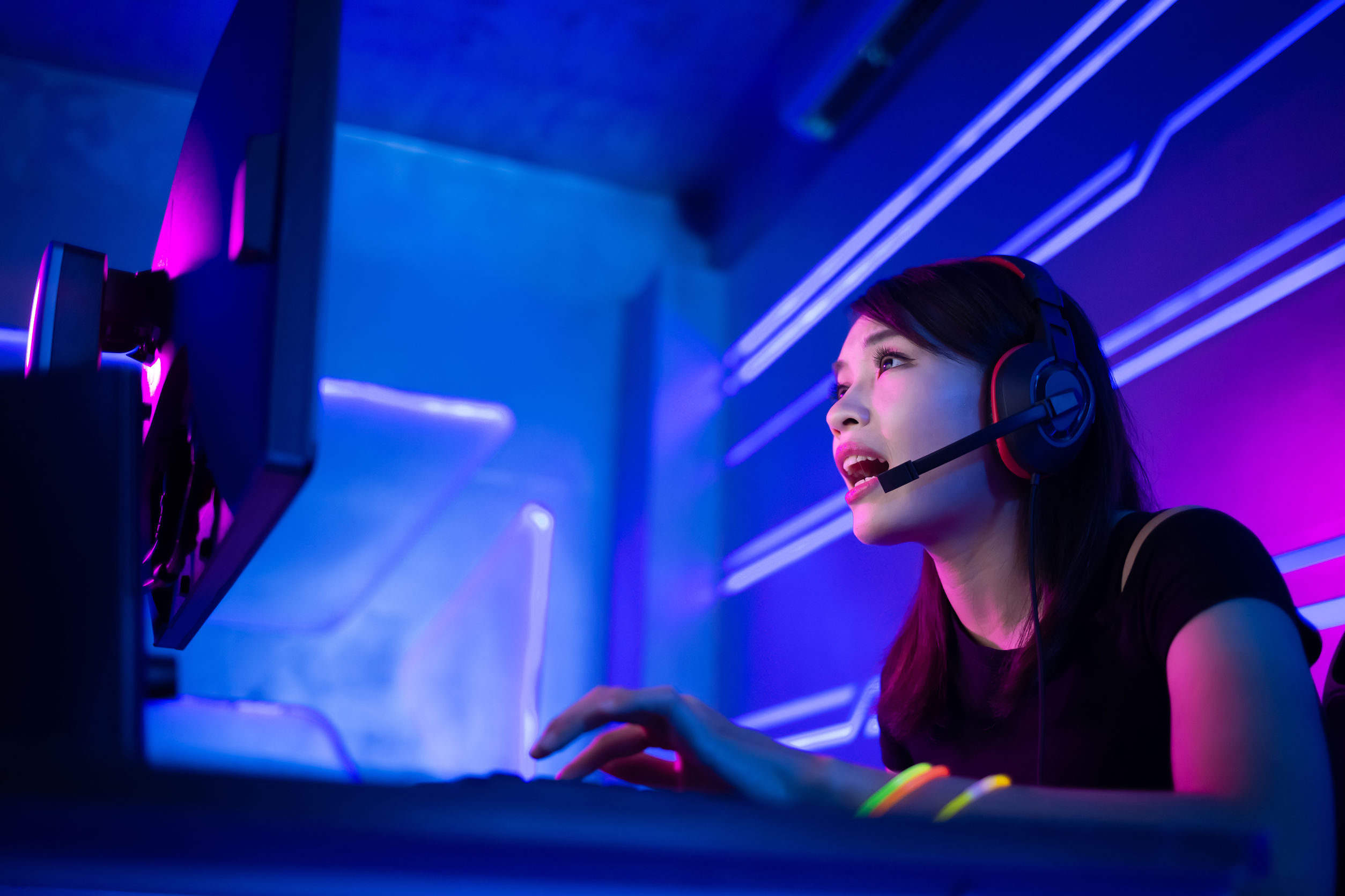 cyber sport gamer playing game
