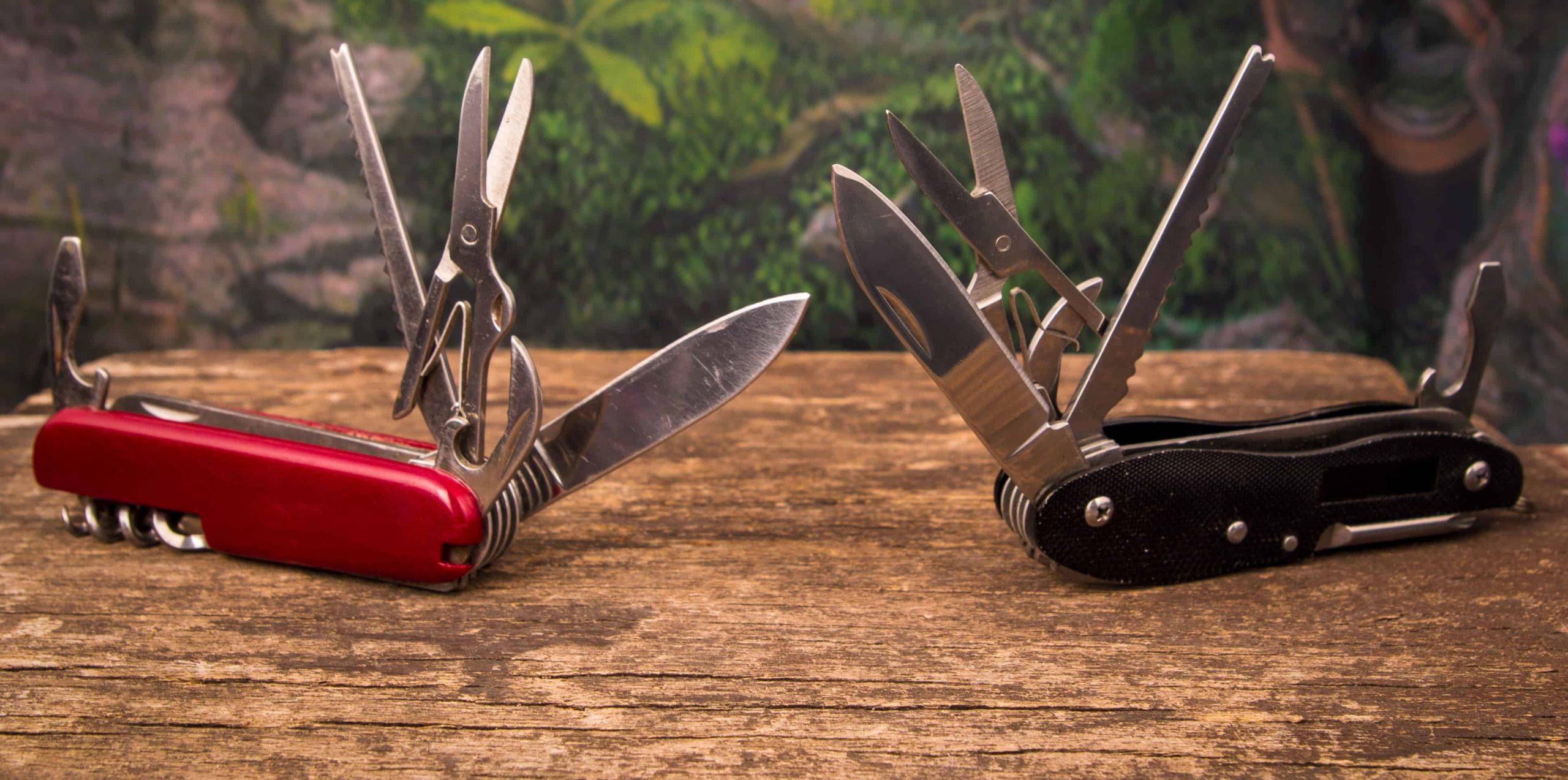 Due coltellini multiuso