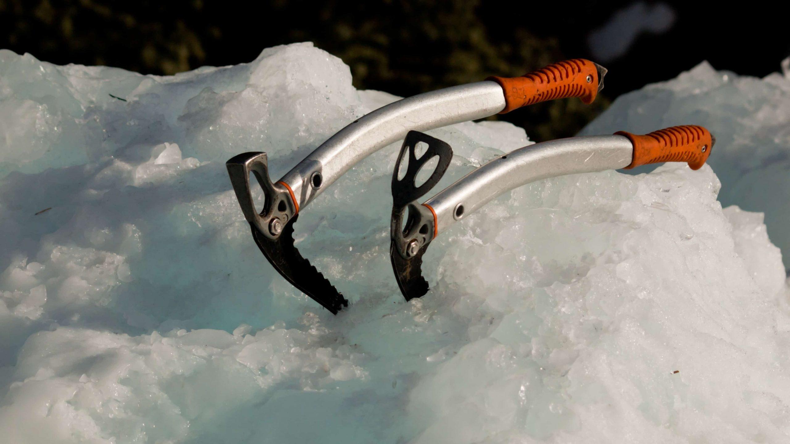 Due piccozze da ghiaccio