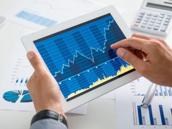 Un tablet che mostra un grafico