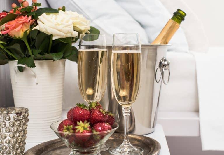 Champagne e bicchieri