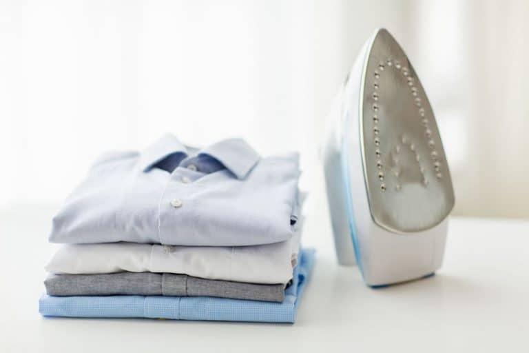 Camicie stirate e ferro da stiro