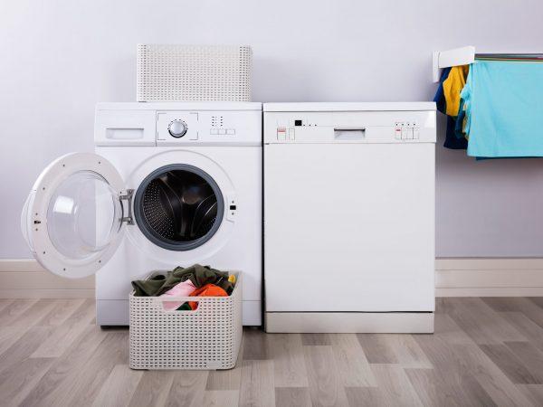 Lavatrice e asciugatrice accanto