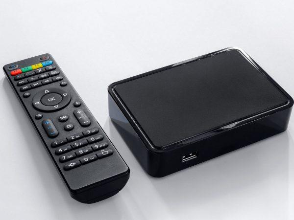 Smart TV Box con telecomando
