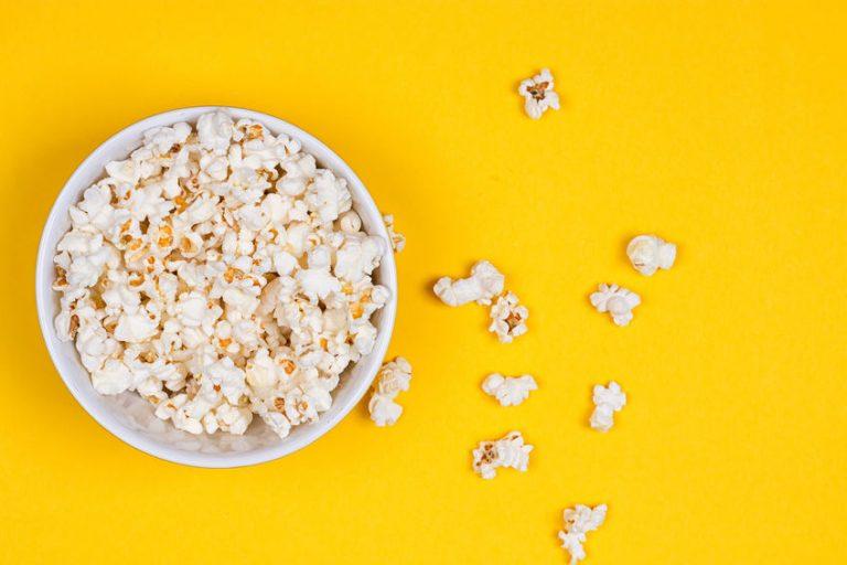 Piccola ciotola di popcorn