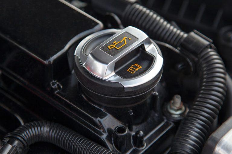 Tappo dell'olio motore di un auto