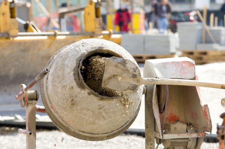 Professional concrete mixer