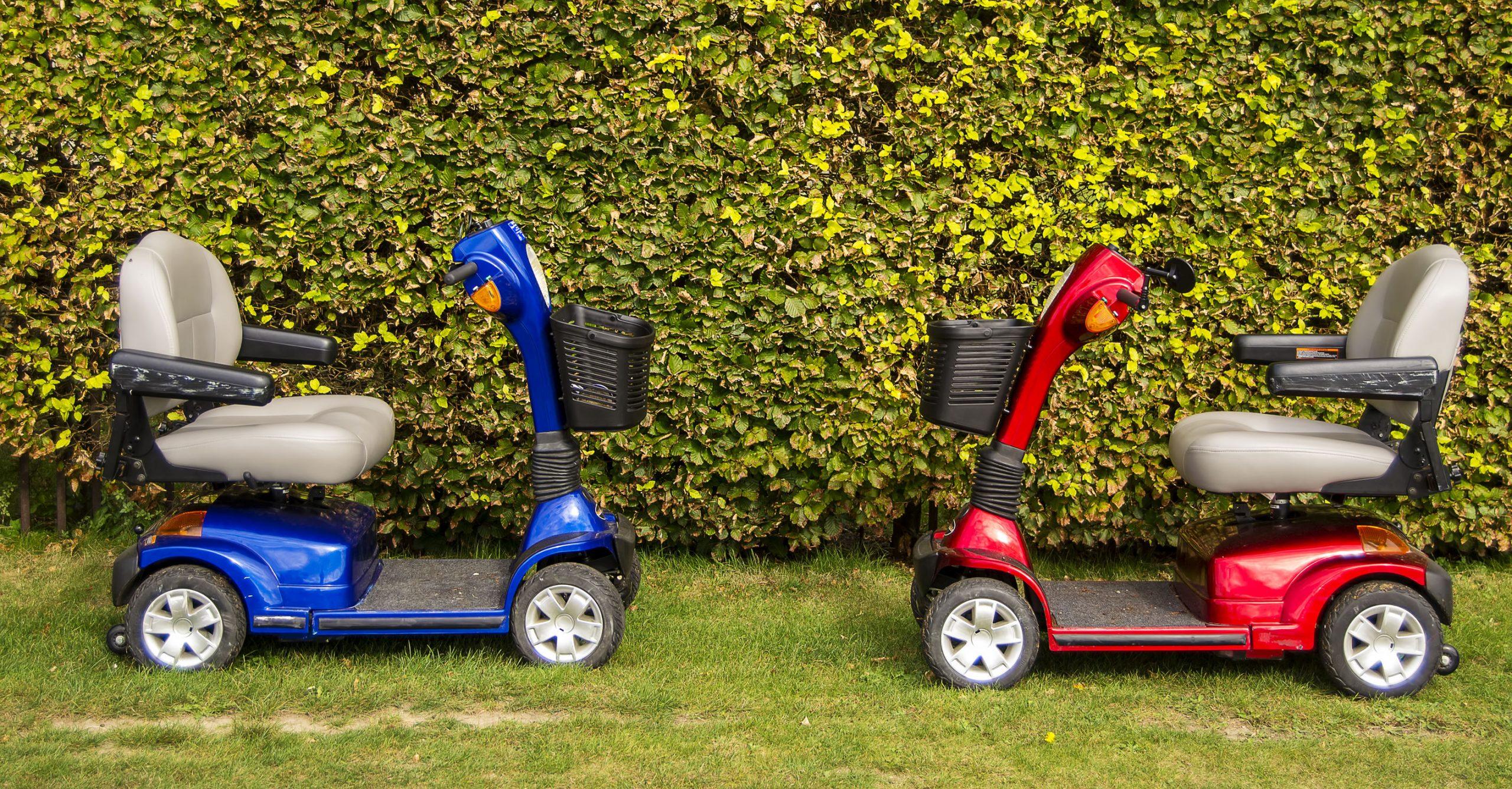 Due scooter per anziani