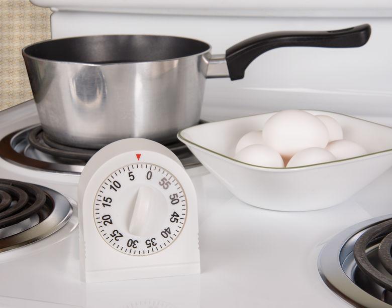 Un timer da cucina bianco