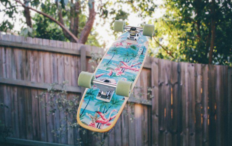 Skateboard ribaltato