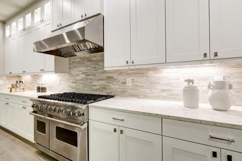 Cucina moderna con cucina a gas