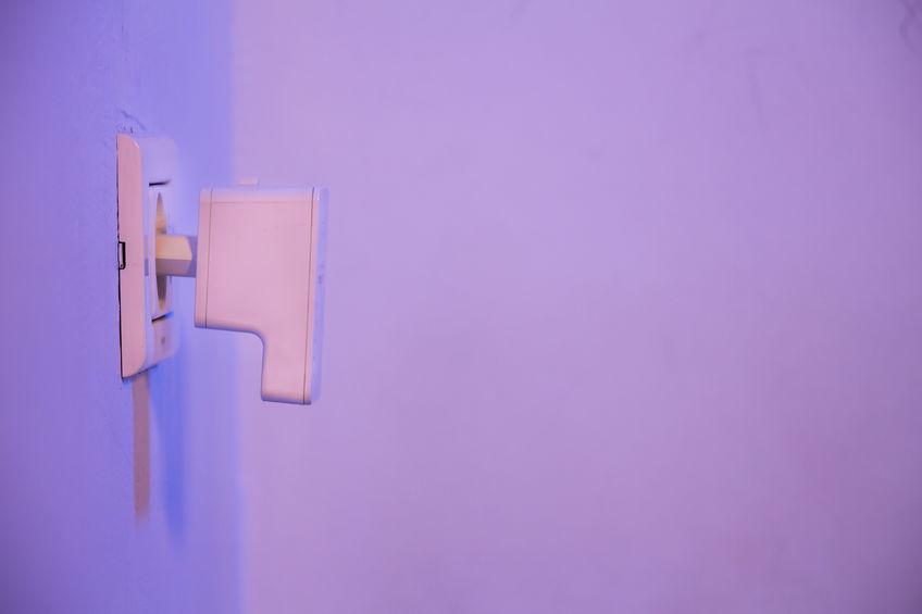 Dispositivo alla presa della corrente