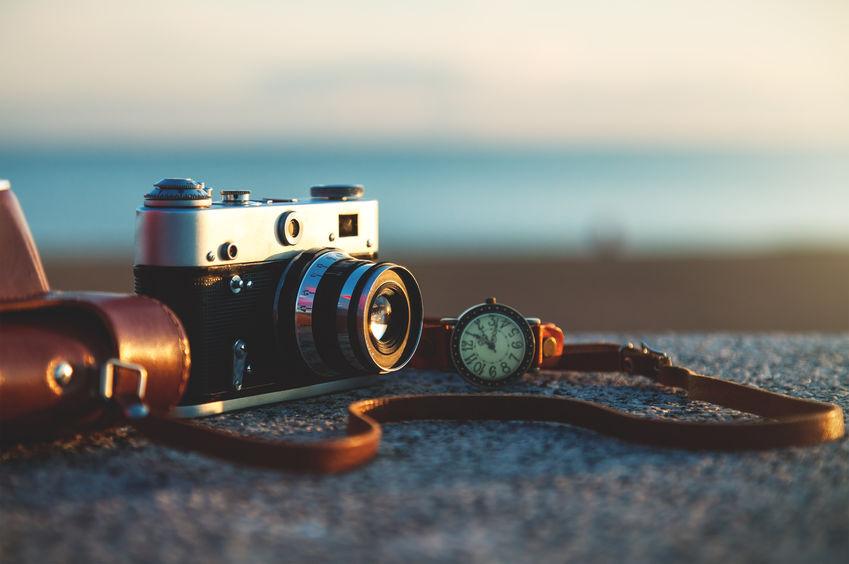 Fotorgrafia romantica con prodotti d'epoca
