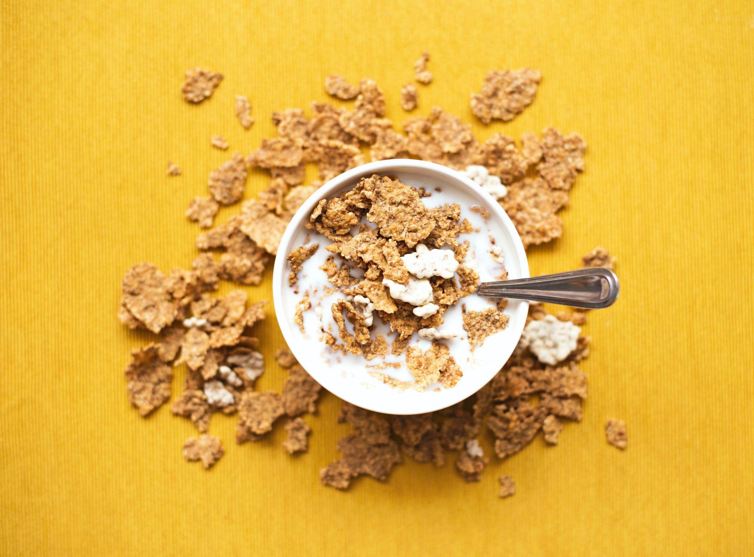 granola y leche