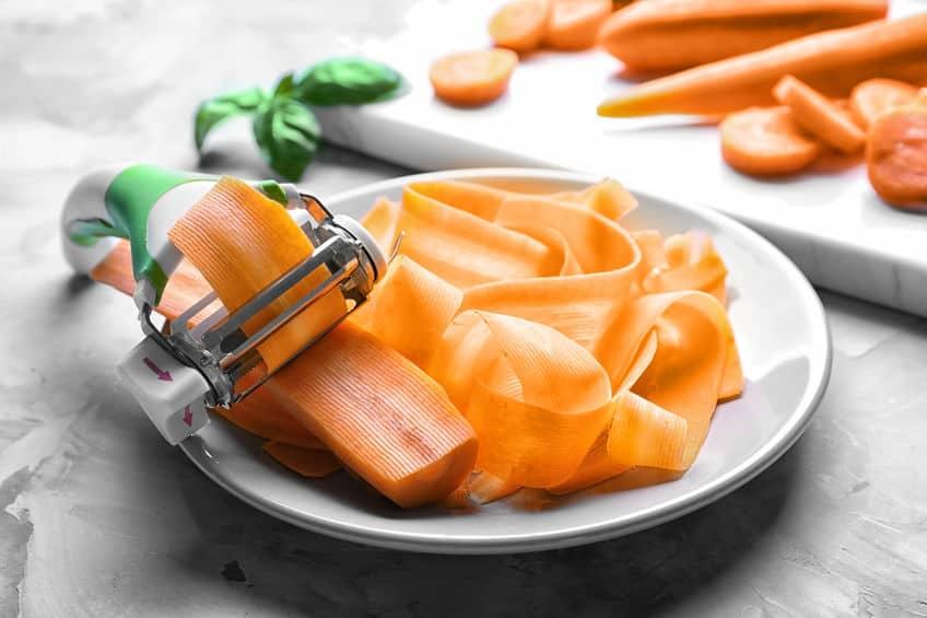 Cortador de legumes e cenouras.